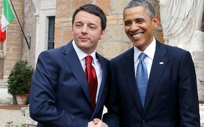 Renzi, de gravata, ao lado de Barack Obama, em encontro no último mês de março, em Roma