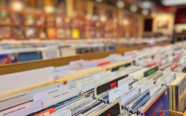 Vinil pode superar CDs em faturamento pela primeira vez