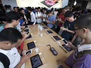 Lançamento do iPhone 5 provocou filas única loja da Apple em Hong Kong