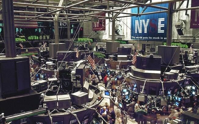 Bolsas estrangeiras operam em alta com investidor de olho nos balanços