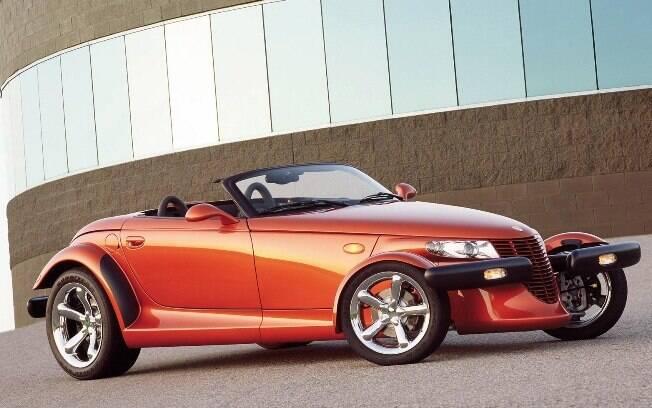 Plymouth Prowler: sim, fizeram algumas unidades produzidas em série desse roadster de estilo bem ousado