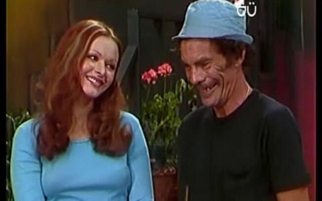 Cena de Chaves em que Olivia García aparece flertando com Seu Madruga (Ramón Valdéz)