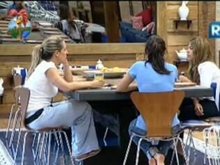 Raquel, Joana e Taciane revelam indecisão para votar