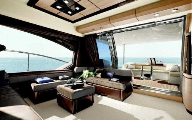 A plush interior - 1 7