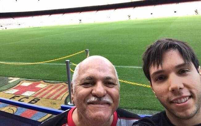 No roteiro do mochilão, Diego acrescentou uma visita ao estádio do Barcelona porque sabe que o pai é fã
