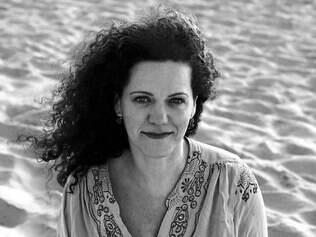 Dois. Cantora criou disco com violoncelista francês Vincent Ségal, que a acompanha no show da noite e propôs som popular camerístico