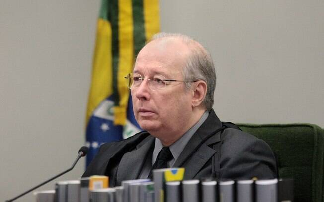 Celso de Mello responde Eduardo Bolsonaro