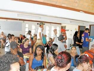 Falta de médicos contribui para a lotação das unidades de saúde