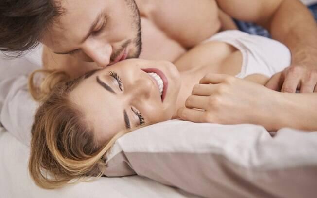 Relação sexual impulsiona o compartilhamento de informações pessoais, que serve como veículo para a criação de vínculo