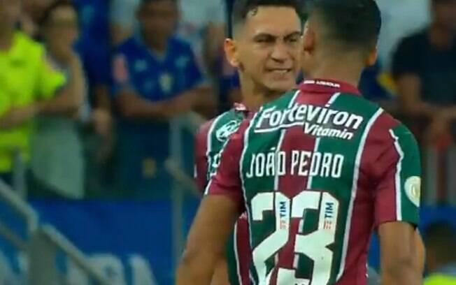 Ganso discutiu com João Pedro