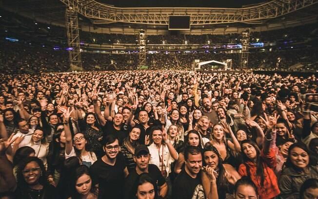 Fãs vibram em show do Maroon 5 em São Paulo