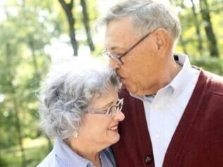Natalie e Frederick Wright se casaram dez meses depois de se conhecerem online