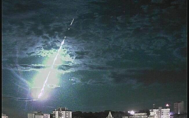 Meteoro pôde ser visto rapidamente por quem estivesse olhando para o céu por volta das 3h20 da madrugada no sul do Brasil