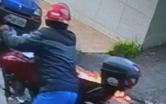 Em Santo André, homem ateou fogo na ex-mulher e depois fugiu