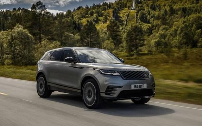 O Range Rover Velar é o utilitário esportivo mais moderno da marca, com central multimídia dupla e painel digital