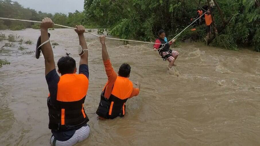 Ciclone tropical atinge as Filipinas, deixa nove mortos e 11 desaparecidos