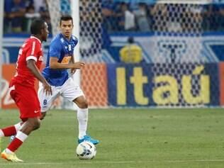 Henrique pediu atenção total no duelo com o Corinthians, nesta quarta-feira