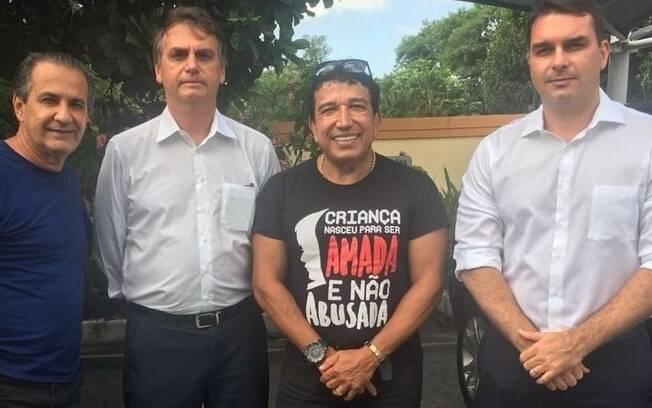 Bolsonaro tem boa relação com líderes evangélicos e pede ajuda na relação com deputados