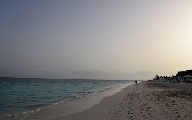 As ilhas remotas de Turcas e Caicos ficam no Caribe e abrem a lista com muita praia, sol e diversão para a família