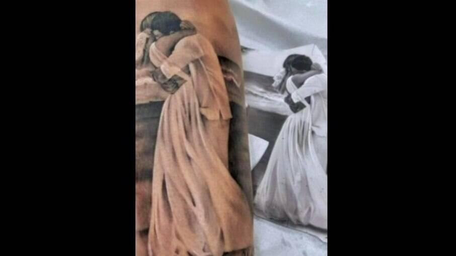 Deolane faz tatuagem de uma imagem do noivado com Kevin