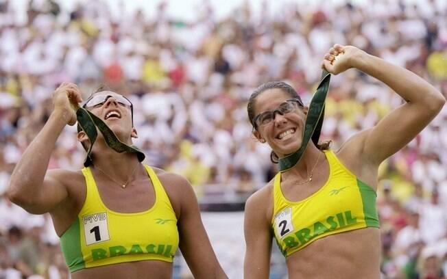 A dupla Jacqueline/Sandra venceu o 1º ouro olímpico do vôlei de praia