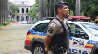 Rapaz esfaqueia ex-sogro e bate na ex-sogra em Minas Gerais