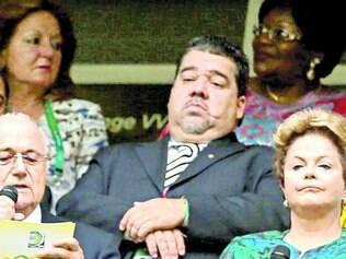 Apupo. Na abertura da Copa das Confederações, em 2013, Blatter e Dilma ouviram uma sonora vaia do público