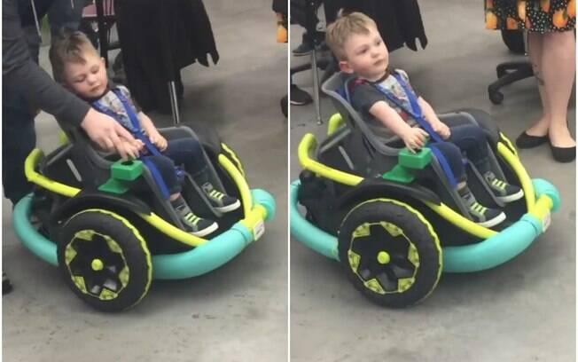 Cillian Jackson, 2 anos, tem uma condição genética que o impede de andar, mas o carro estilizado facilitou a mobilidade