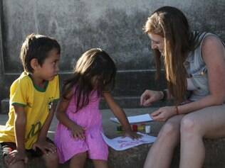 Cidades - Belo Horizonte - MG Ato ludico contra despejo na ocupacao Rosa Leao . A acao foi realizada por movimentos sociais e moradores na ocupacao Esperanca  FOTO: FERNANDA CARVALHO / O TEMPO - 10.08.2014