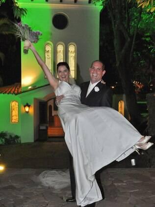 Flávia casou no inverno e optou por fazer o evento dentro de um espaço fechado