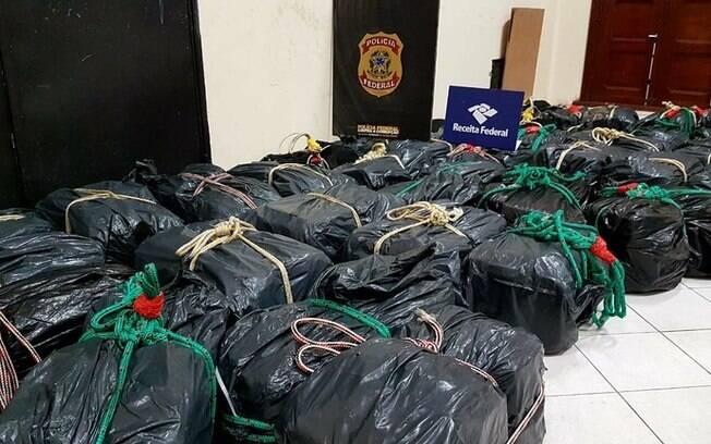 Operação no Porto de Santos (SP) resultou na apreensão de 1.322 quilos de cocaína na noite desse domingo (12)