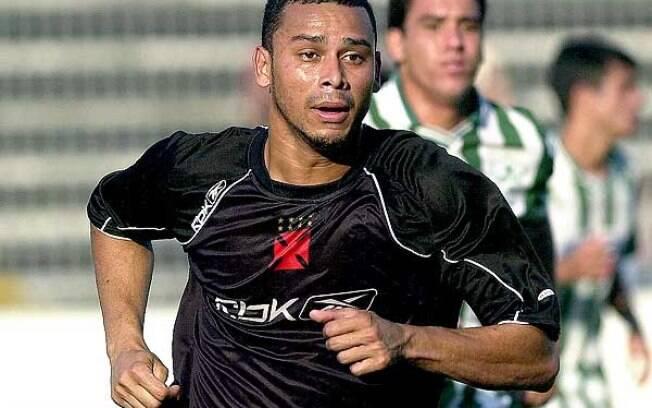 Valdiram treinando pelo Vasco em 2006