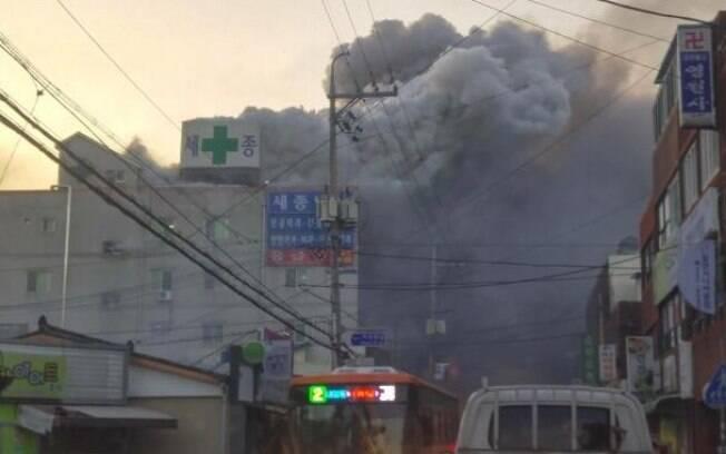 Incêndio que atingiu um hospital da cidade sul-coreana de Miryang deixou pelo menos 41 mortos