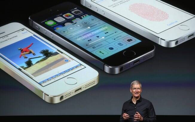Tim Cook, CEO da Apple, apresentou iPhone 5S