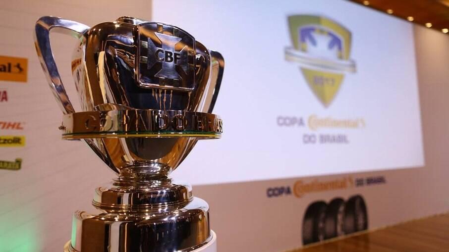 Palmeiras e Grêmio disputam título da Copa do Brasil