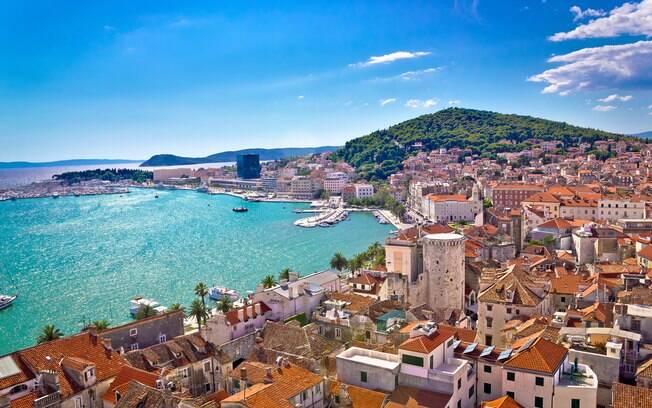 A Croácia é um dos lugares para viajar com grande extensão de litoral, então é ideal para quem ama praia