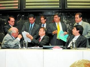 Sem acordo. Reunião extraordinária realizada na manhã de ontem terminou sem votar projetos