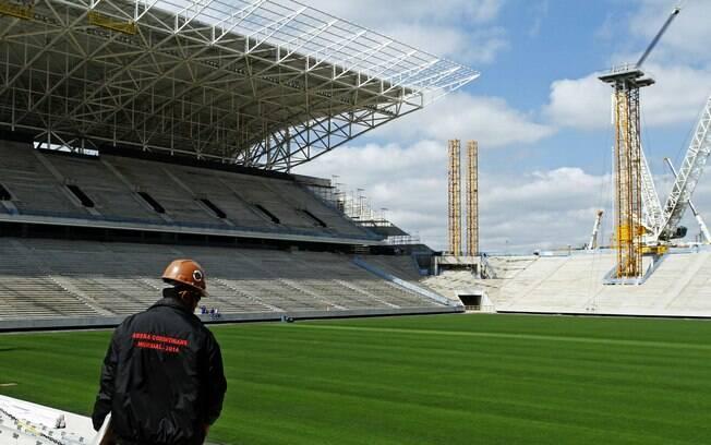 Arena Corinthians, vista das arquibancadas.  Estádio será o palco do jogo de abertura da Copa  2014