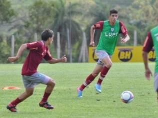 Esportes - Belo Horizonte - MG  Treino do America na sexta-feira da Semana Santa no CT Lanna Drumond  Na foto: Henrique e Rubens  FOTO: Assessoria AFC / Carlos Cruz