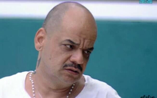 João Carvalho lembra que Laisa foi criticada durante a Prova da Comida