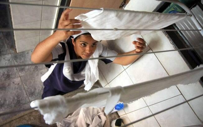GASTO COM DOMÉSTICO: o INSS pago pelo patrão ao empregado doméstico pode ser abatido no limite de R$ 1.078. Foto: Futura Press