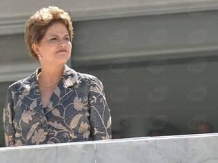 Presidente Dilma Rousseff lamentou mortes provocadas por terremoto na Ásia