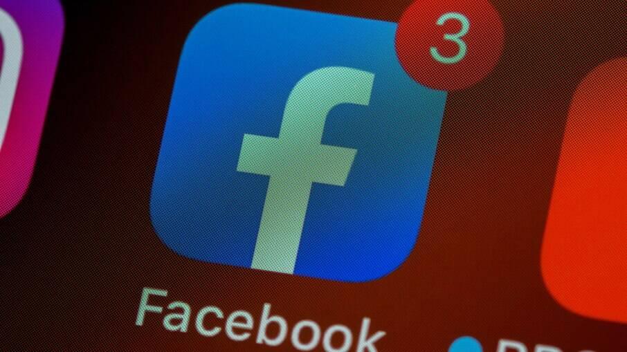 Facebook tenta descobrir de onde vem a desinformação sobre a vacina