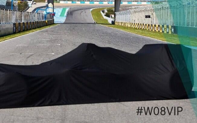 O novo carro da Mercedes está próximo de ser descortinado