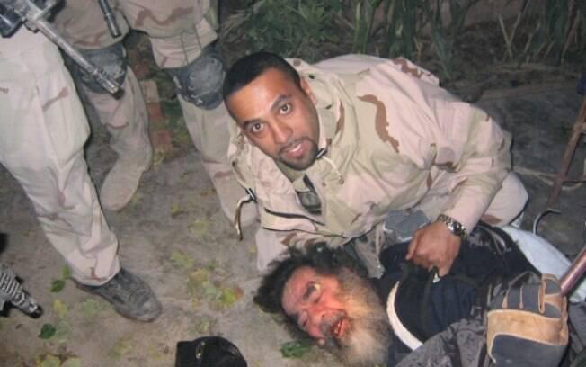 Fotografia tirada por soldados americanos durante a captura de Saddam