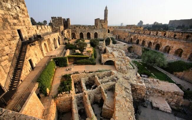 Se você está procurando o que fazer em Israel para conhecer a história da humanidade, visitar à Torre de Davi é ideal