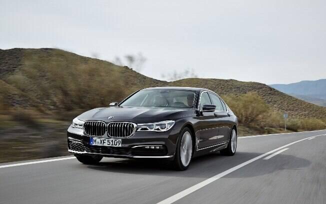 BMW 750Li: o topo de toda a linha da marca, voltado para quem quer luxo e se sentir mimado ao extremo