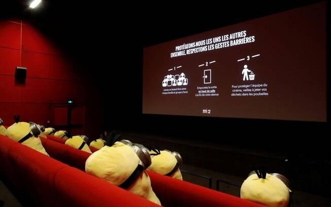 Espectadores não poderão se sentar lado a lado e a salas só poderão funcionar com metade da capacidade