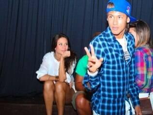 Neymar, Lize Benites e seus amigos: paquera nos bastidores