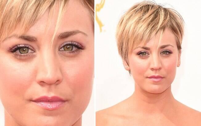 A atriz Kaley Cuoco chegou ao evento com o corte pixie cut e tons lilás na maquiagem